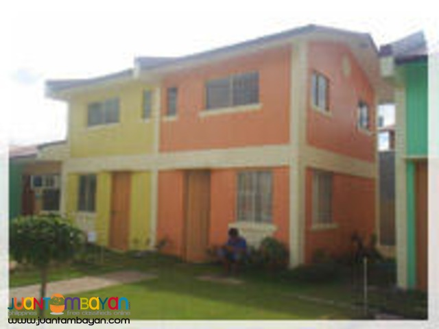 Celia Model in Wellington Place Gen.Trias via Imus Cavite, Townhouse