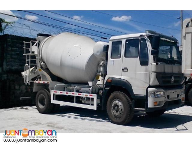 Sinotruk 6 Wheeler Mixer Truck Huang He C5B