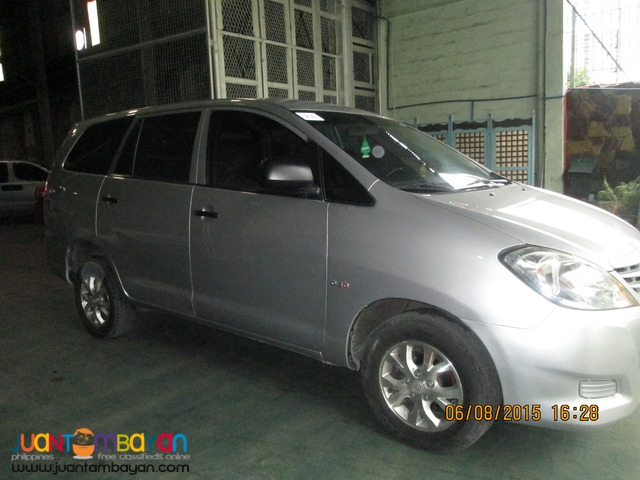 rent a car 'Toyota Innova'