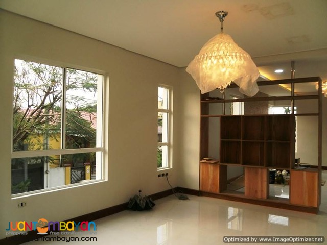 3 Storey House & Lot for Sale Vista Real Q.C
