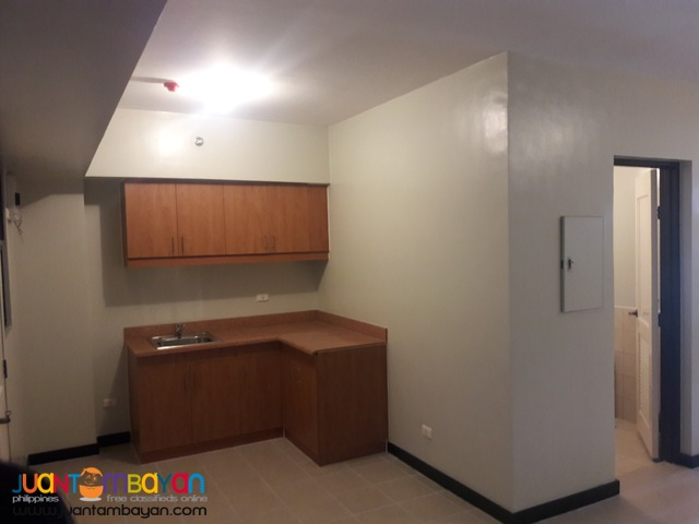 Promo Less 10%+ 2% for 2 BR and 3 BR with Balcony  Near Airport
