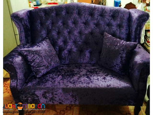 Debutant's Couches