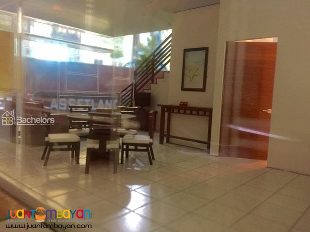 The Crescent Ville Glenworth Model- Minglanilla, Cebu