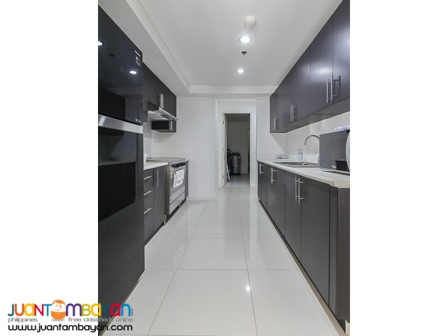 2BR + den For Rent in Senta Makati