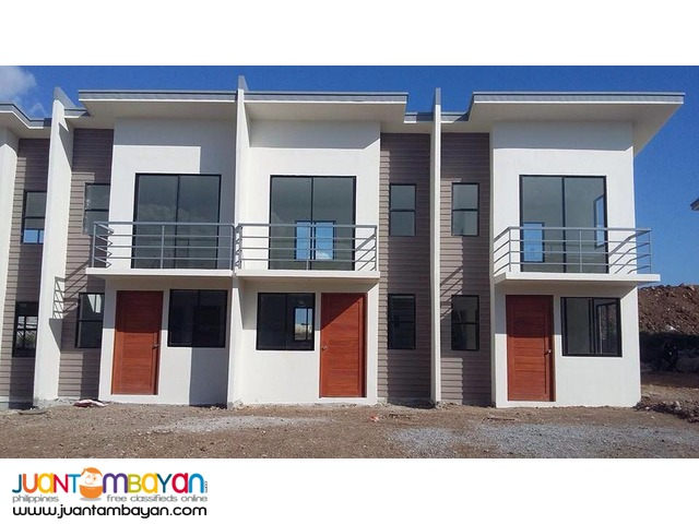 Casas Aurora Low Cost Housing
