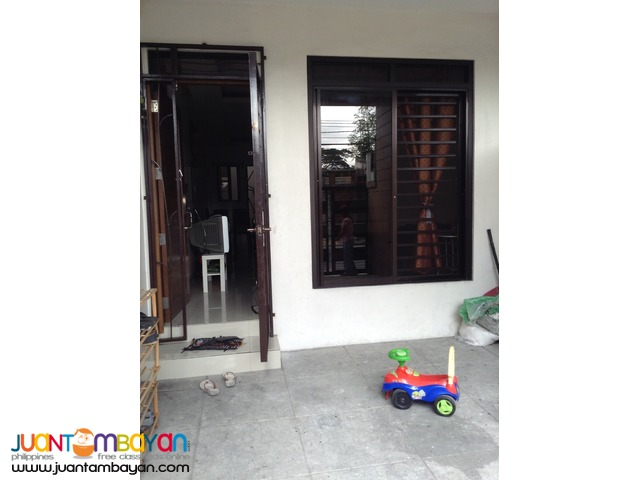 Townhouse For Sale in Project 6, Road 1
