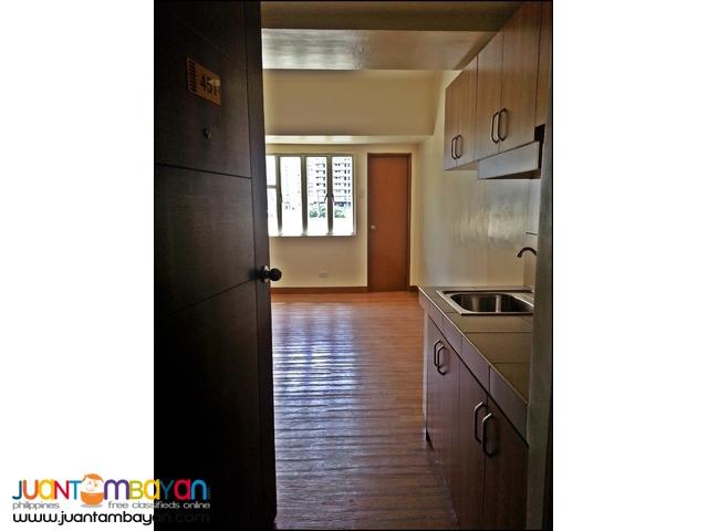 Affordable Condominium Unit in Pines Peak Tower  near EDSA, MRT Boni