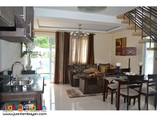 Townhouse in Tagaytay nr Picnic Grove with parking