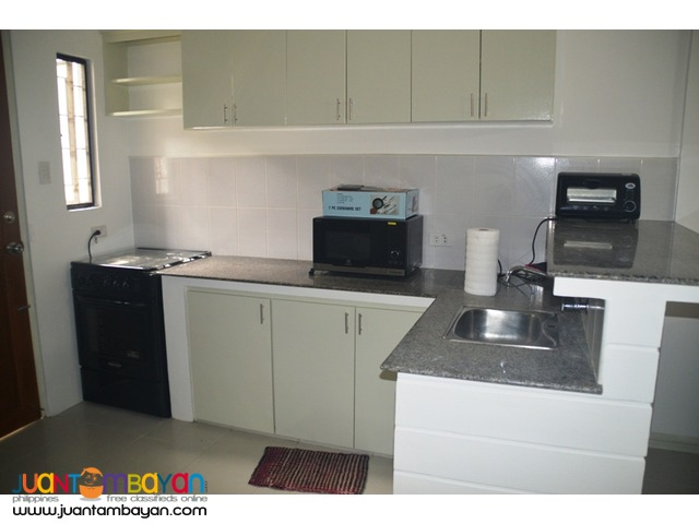 End-Unit Furnished Townhouse apartment for RENT