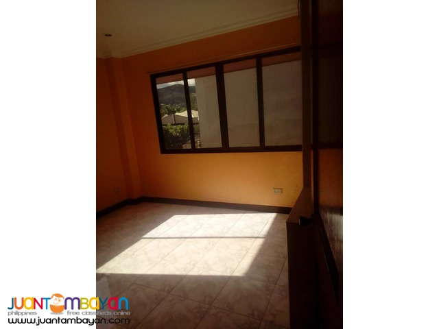 36.5k 6BR Unfurnished Apartment For Rent along Banawa Cebu City