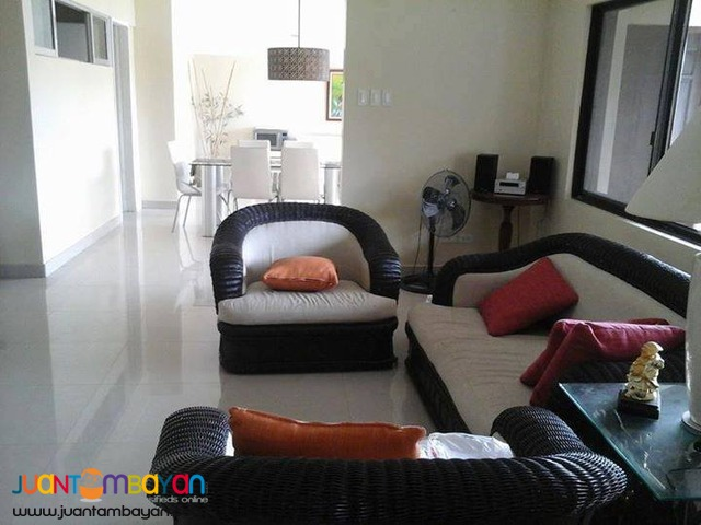 For Rent 7 Bedroom Big House in Banilad Cebu City - 110k