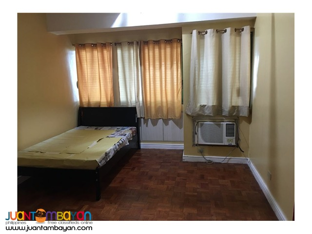 URGENT SALE!!Spacious Studio Unit -Pioneer Highlands,Mandaluyong City