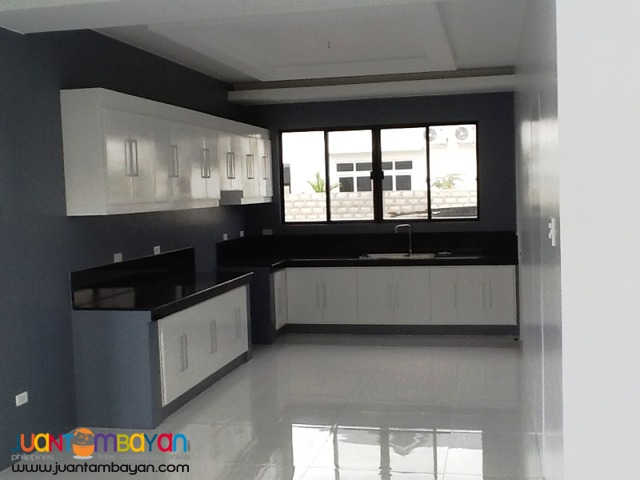 3Br House for Rent with Pool in an exclusive subd at Angeles City.