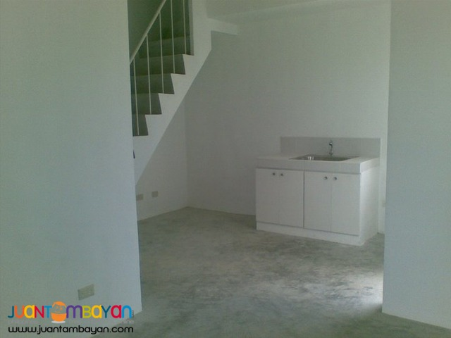 Diana Townhouse 3br, 2toilet only 20mins away from Mall of Asia