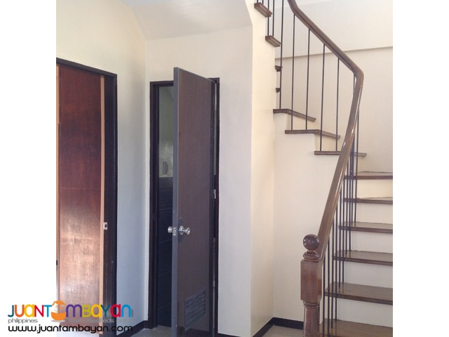 Via Domus Amadeus Homes (Amadeo/Tagaytay Cavite  House and Lot)