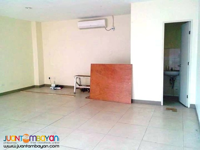 20k 33sqm Office Space For Lease near Fuente Cebu City