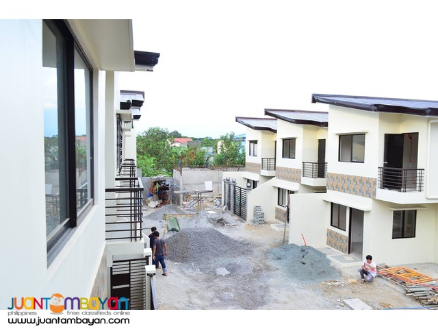 Best Location Commercial Townhouse w/ garage at Crystal Homes