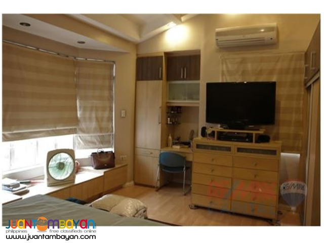 FOR SALE!! 4 Bedroom Townhouse in Casa Verde , Pasig City