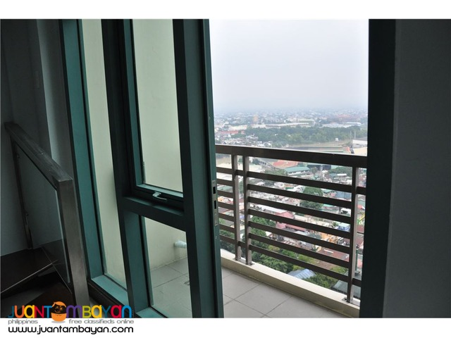 URGENT SALE: 1 BR Loft Type at Le Grand Tower 2, Eastwood, Quezon City