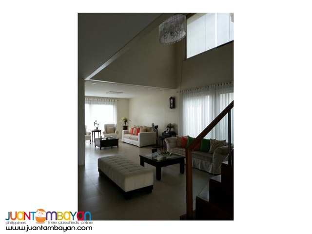 RUSH SALE!! 4 Bedroom House located in White Plains, Quezon City