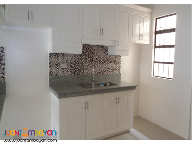 FOR SALE!! RFO Townhouse in Tandang Sora, Quezon City