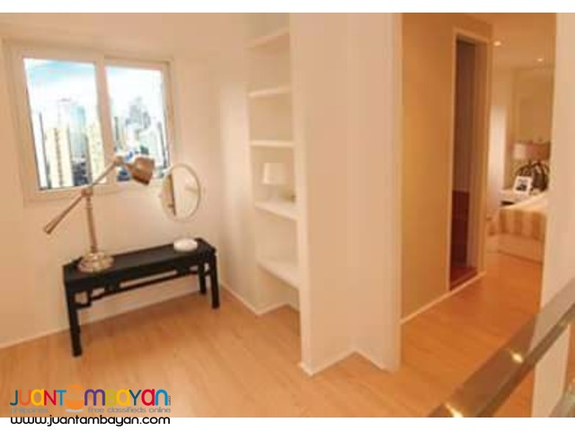 2 BR, RFO bi-level unit at Fort victoria bgc 5% move-in,rent to own
