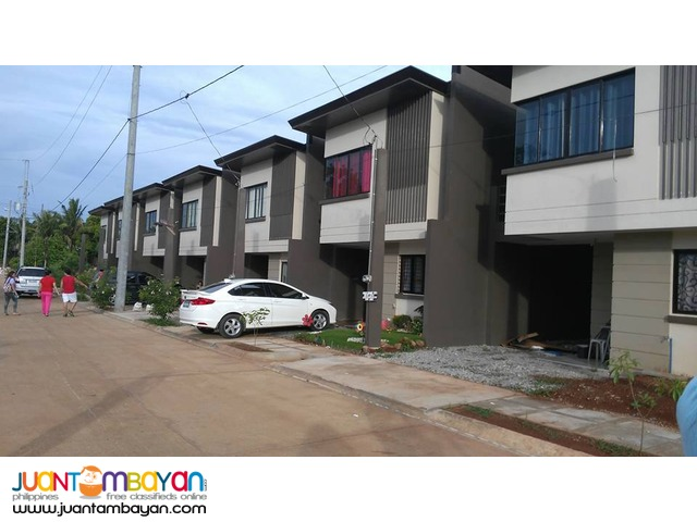 Single attached Townhouse 2br 2t&b w/ carport at Eastview ntipolo