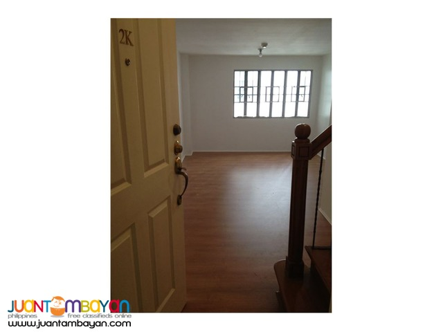 Rush Sale 2 BR loft type unit in California Garden Square, Mandaluyong
