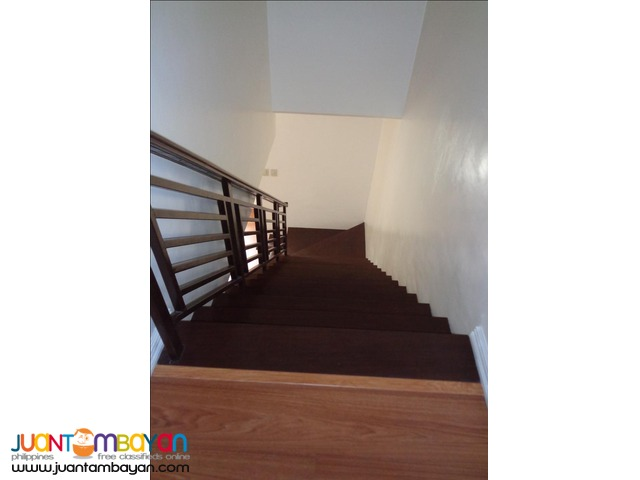 URGENT SALE RFO Townhouse in Tandang Sora, Quezon City