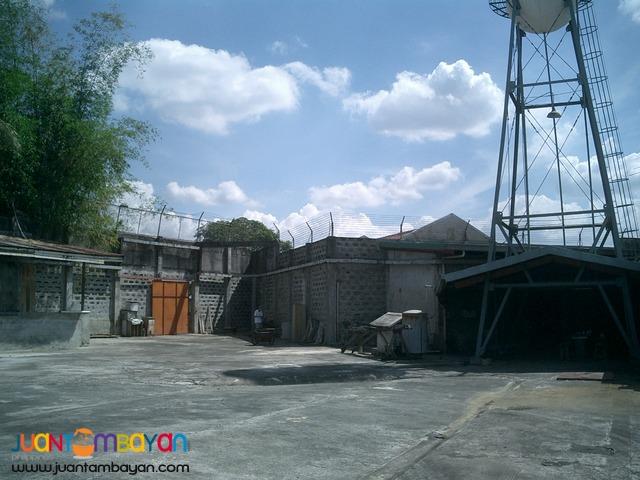 Warehouse in Tandang Sora, Quezon City on URGENT SALE!!