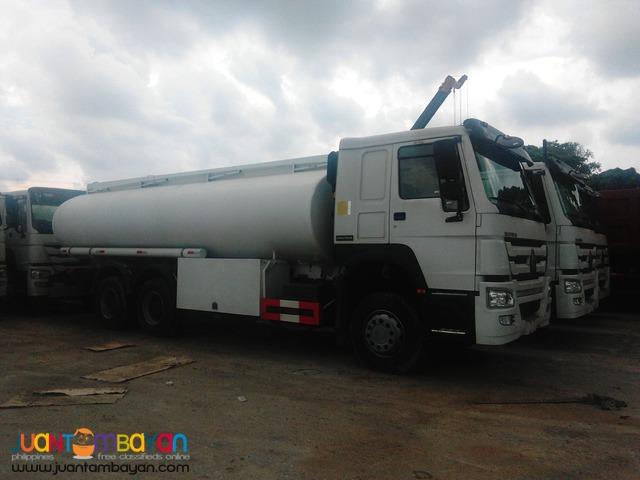 Howo Oil Truck 30KL 10 Wheeler Sinotruk Brand New !