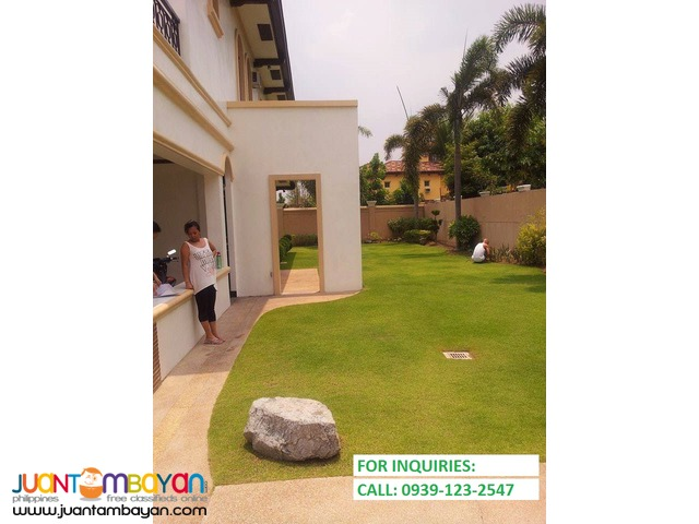 House and lot for sale in Portofino Daang-Hari Alabang (w/ pool)