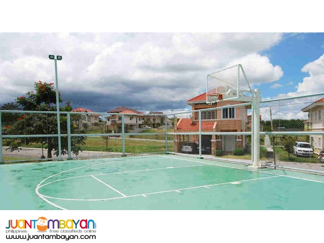 3 BR with Maids Room 153/152sqm Move in at 10% Cash Out Laguna