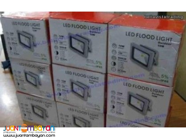 10W Flood Light 12V 900 Lumens