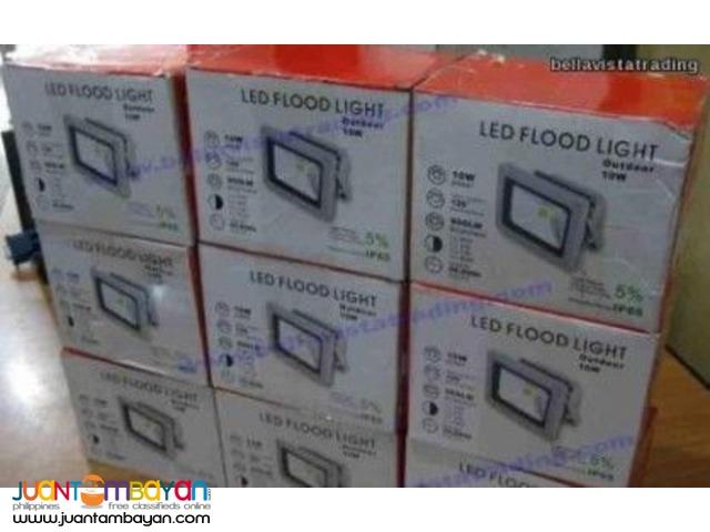 10W Flood Light 12V 900 Lumens