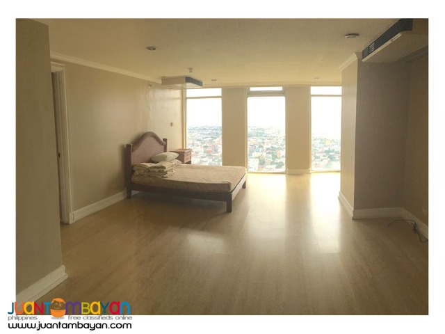 For Sale!!! Penthouse in 2 Storey Unit at Salcedo Villa, Makati City