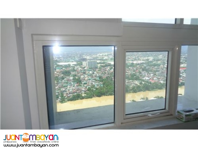 ON RUSH SALE!!! 1BR unit in Le Grand Tower1, Eastwood, QC