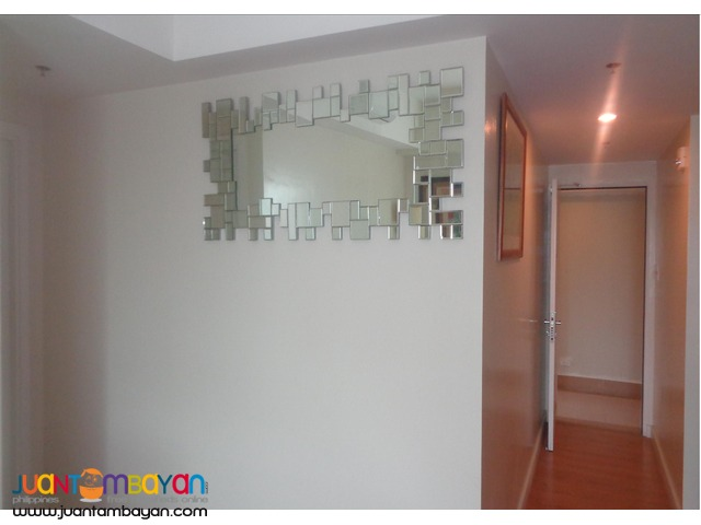 ON RUSH SALE!!! 2 BR Condo Unit in The Grove by Rockwell,C5 Pasig City