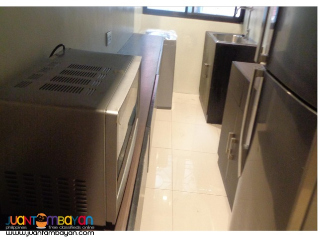 FOR LEASE!!! 1 BR Deluxe in Alpha Salcedo, Makati City