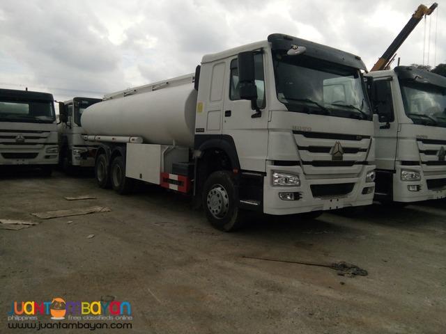 Sinotruk HOWO Oil Truck 10 Wheeler 30KL