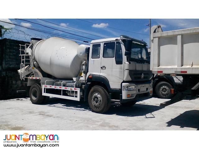 6 Wheeler Sinotruk C5B Huang He Mixer Truck 6 cubic