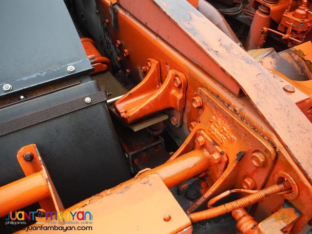Yellow ISUZU 6 Wheeler Tractor Head 10PE1 Engine Japan Surplus