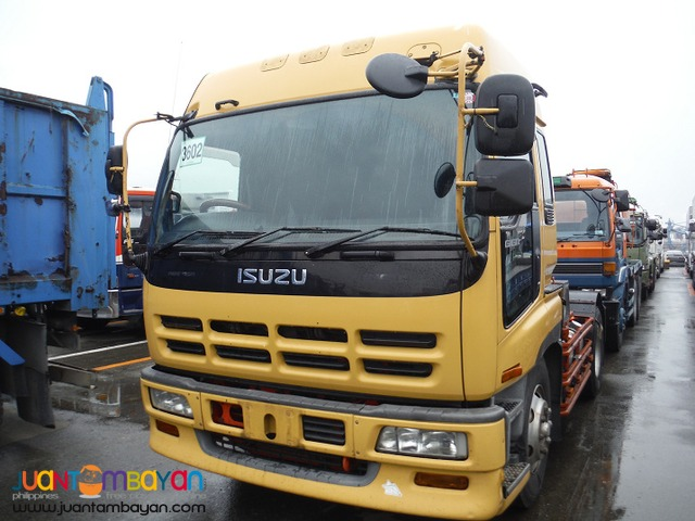 Yellow ISUZU 6 Wheeler Tractor Head 10PE1 Engine Japan Surplus