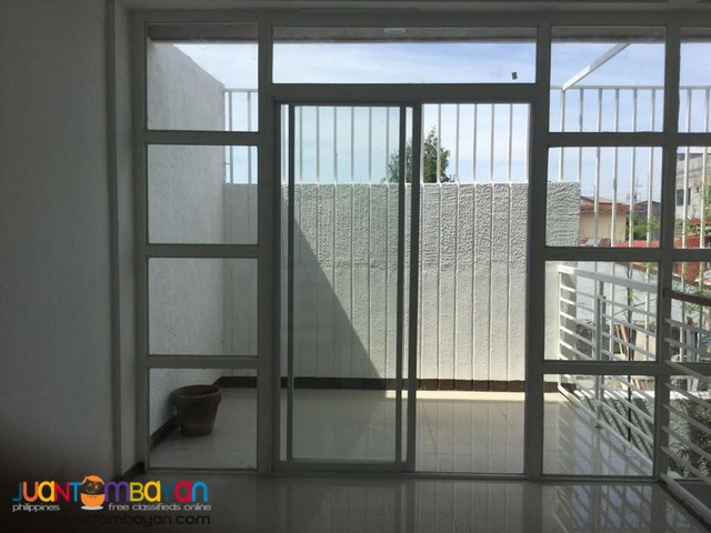 House and Lot in BF Almanza walking distance to Alabang Zapote Road