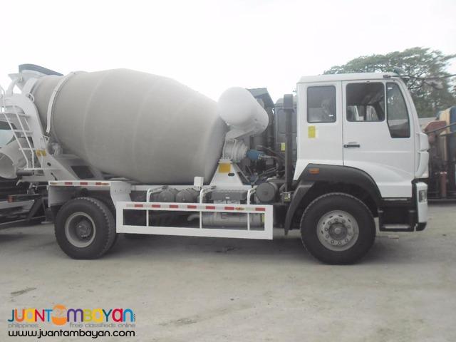 Brand new! C5B huang he mixer truck!
