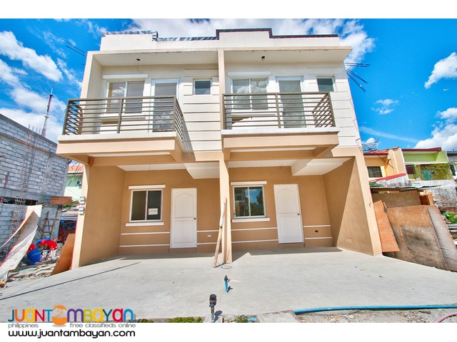 Townhouse near Mindanao Avenue QC at 3.105M