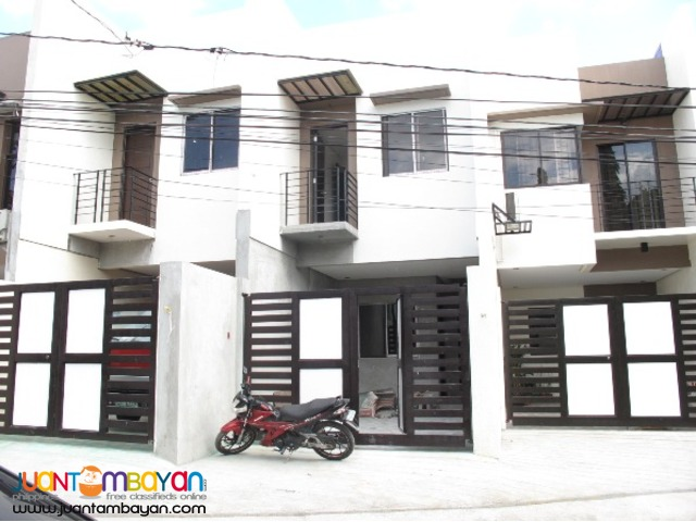 Townhouse in Tandang Sora Area 4.7M