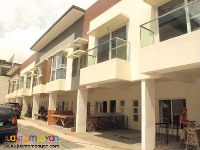 Townhouse for Sale in Tomas Morato 10.2M