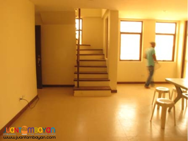 Townhouse for Sale in West Kamias Quezon City 8.2M