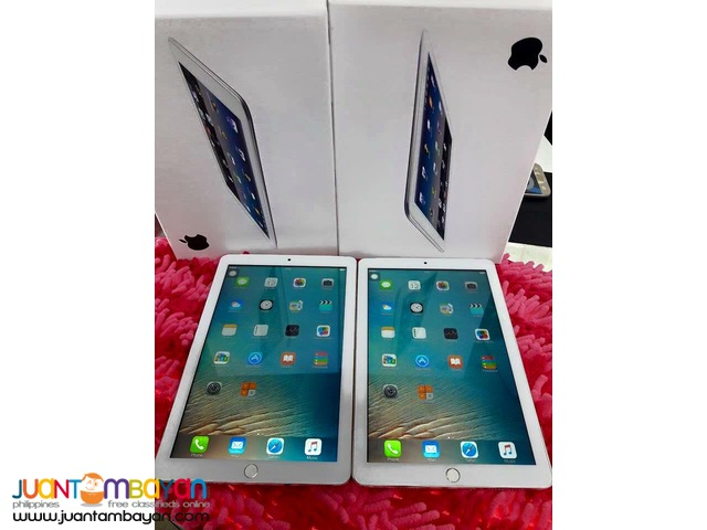 APPLE iPAD PRO 9.7 iNCHES OCTACORE  - LOT OF FREEBIES
